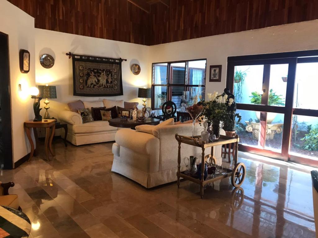 Se Vende Casa de una planta en San Rafael de Escazú