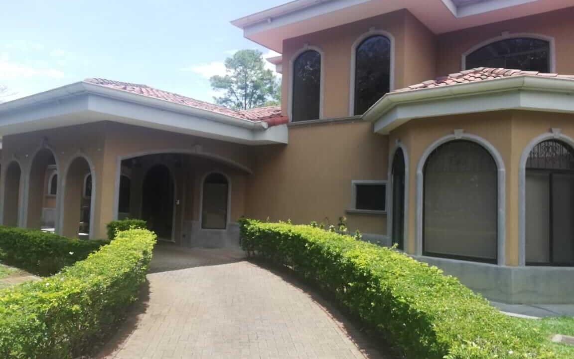 venta-de-casa-residencial-hacienda-los-reyes-premier-propiedades (12)