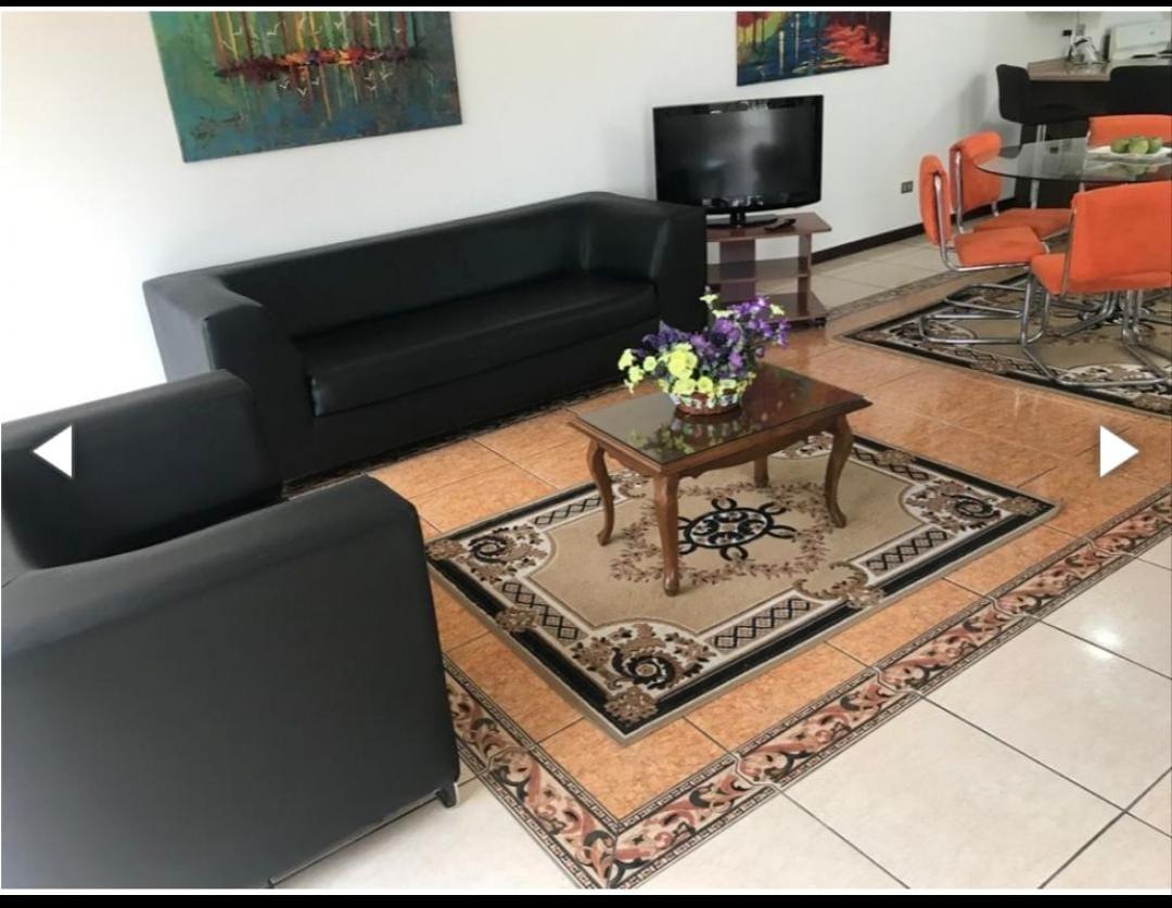 Acogedor Apartamento de 2 Habitaciones Trejos Montealegre