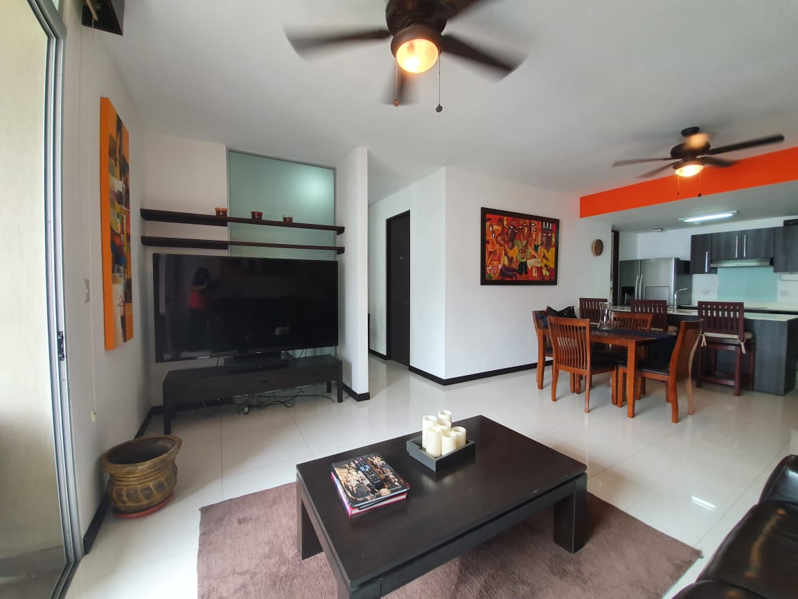 Alquiler de Apartamento en Condominio, Santa Ana