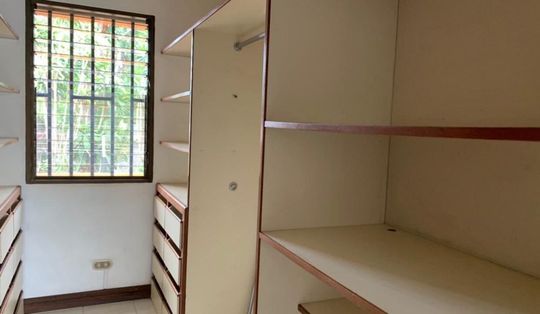 venta-casa-trejos-montealegre-escazu-premier-propiedades (27)