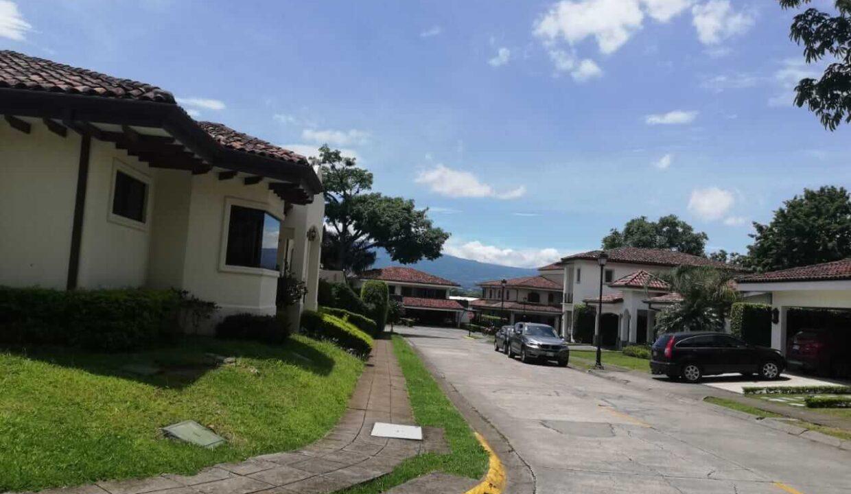 venta-de-casa-condominio-bosque-dorado-piedades-de-santa-ana-premier-propiedades (6)