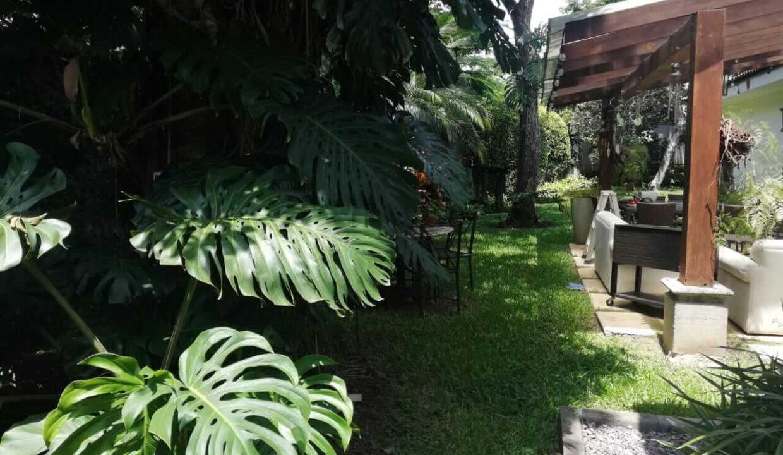 venta-de-casa-en-condominio-bosque-dorado-piedades-de-santa-ana-premier-propiedades (1)