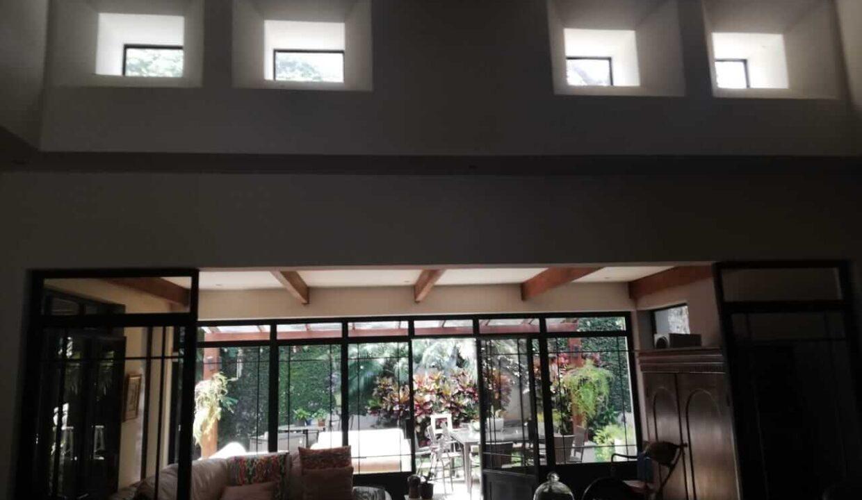 venta-de-casa-en-condominio-bosque-dorado-piedades-de-santa-ana-premier-propiedades (2)