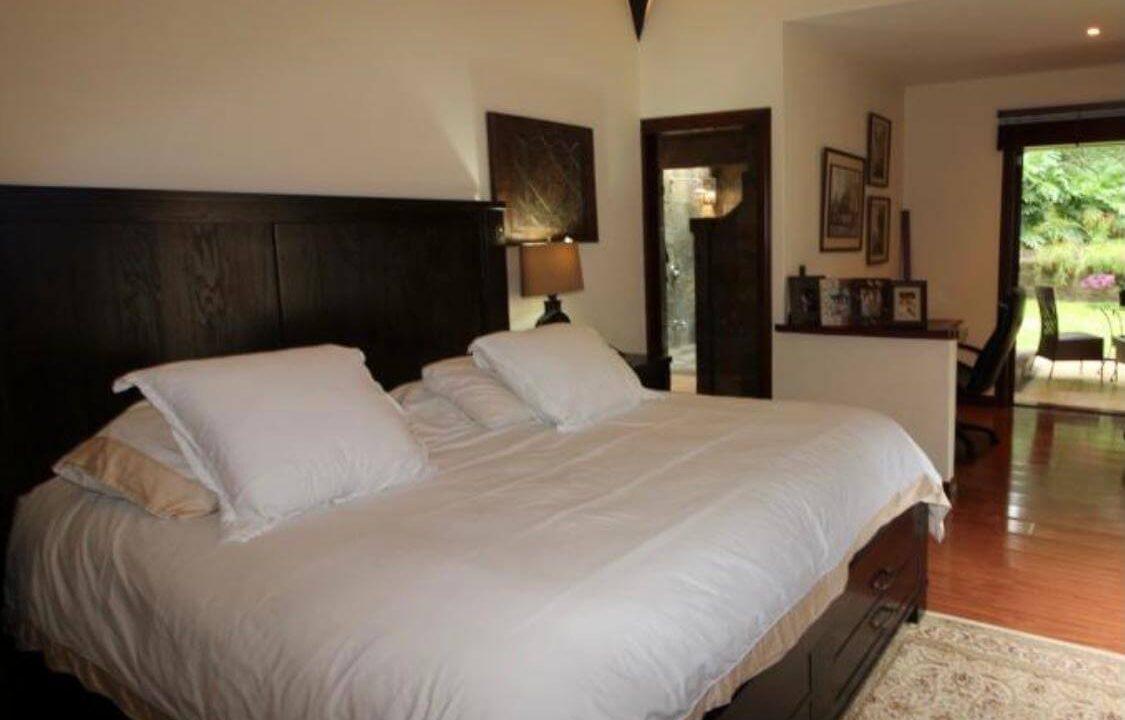 venta-de-casa-en-condominio-hacienda-real-piedades-de-santa-ana-premier-propiedades (4)