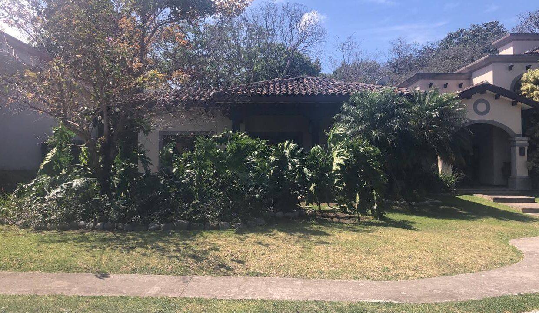 venta-de-casa-en-condominio-hacienda-real-piedades-de-santa-ana-premier-propiedades (7)