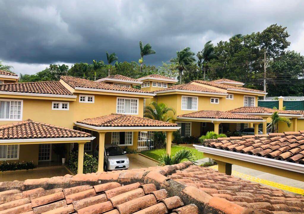 Alquiler-de-casa-Condominio-Villa-Escazú-Colonial-Guachipelín-premier-propiedades (9)