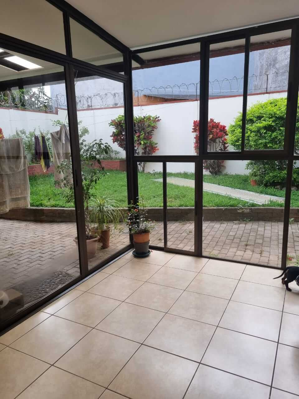 Venta de casa independiente Mercedes Norte de Heredia