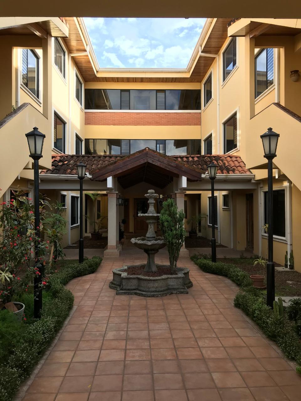 Alquiler de apartamento Trejos Montealegre Escazú