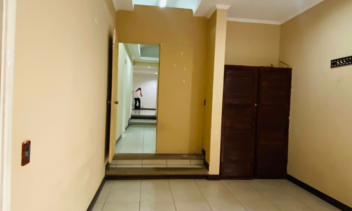 alquiler-local-comercial-piedades-santa-ana-premier-propiedades (11)