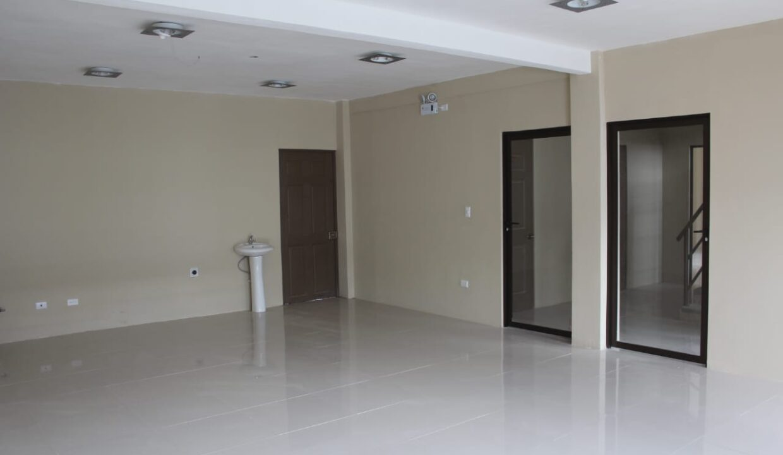 alquiler-oficinas-comerciales-lomas-ayarco-premier-propiedades (5)
