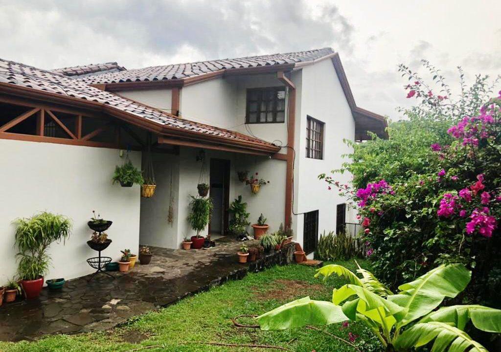 venta-casa-brasil-santa-ana-premier-propiedades (1)