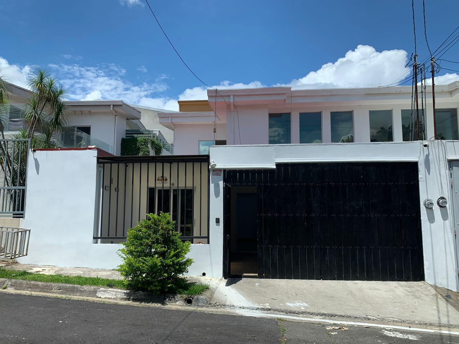 Se alquila casa en Bello Horizonte Escazú