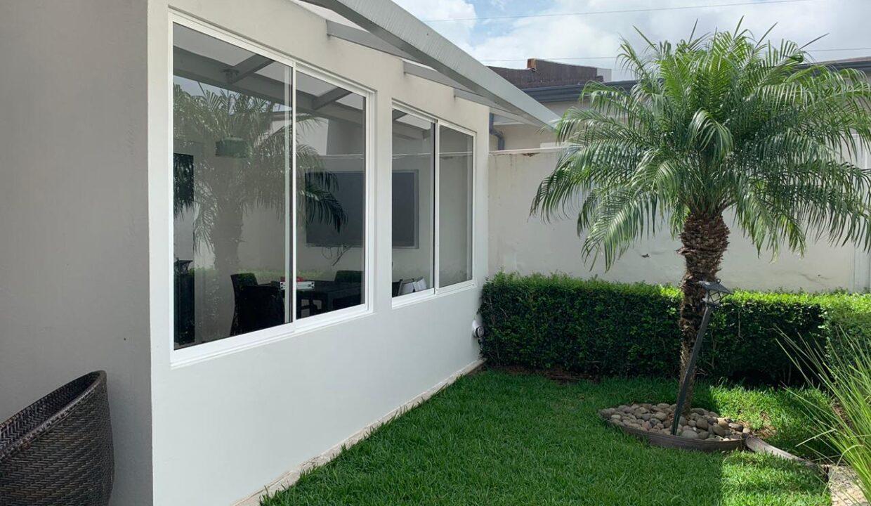 venta-apartamento-Townhouse-Contemporáneo-condominio-guachipelin-premier-propiedades (10)