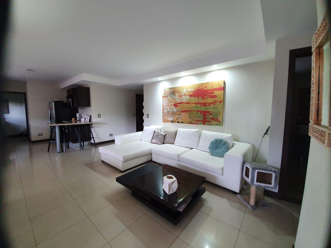 Venta de Apartamento en Condominio, San Antonio de Escazu