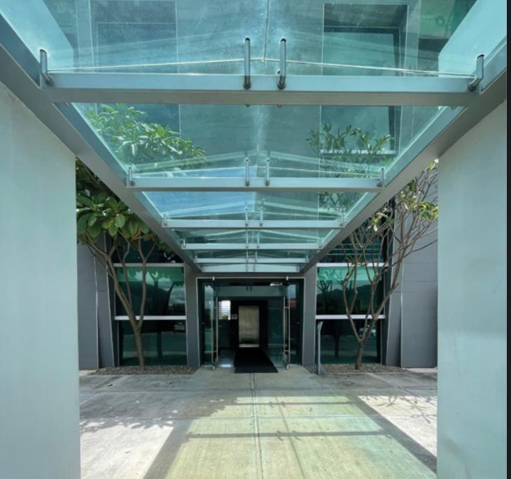 alquiler-oficina-oficentro-santa-ana-premier-propiedades (2)