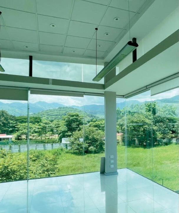 alquiler-oficina-oficentro-santa-ana-premier-propiedades (6)