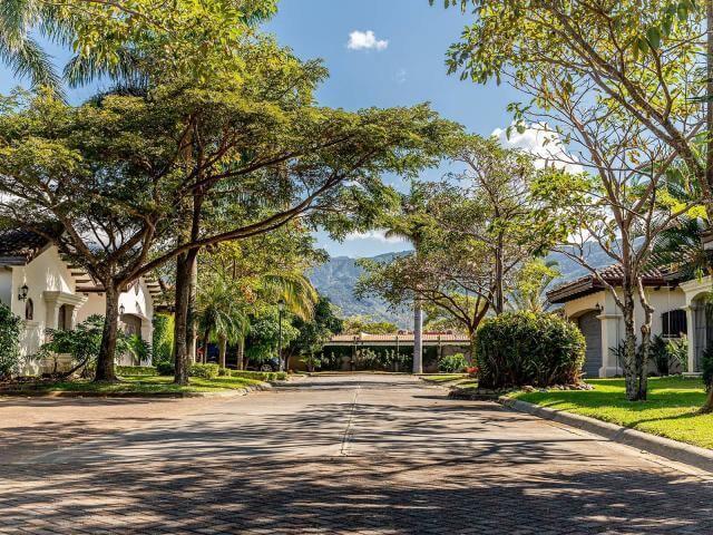 venta-de-casa-codominio-posada-del-sol-lindora-santa-ana-premier-propiedades (2)